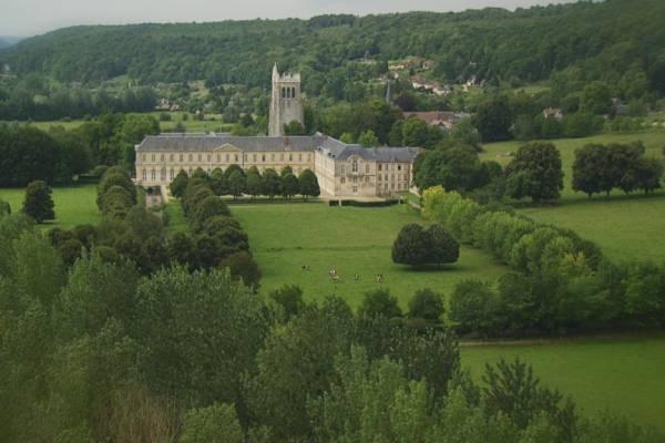 Abbaye-Hellouin1