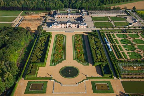 France, Haute Normandie, Eure (27), Le Neubourg, Château du Champ de Bataille (vue aérienne)